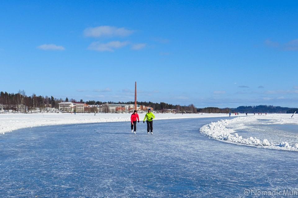 ice skating_Lake Kallavesi_Finland