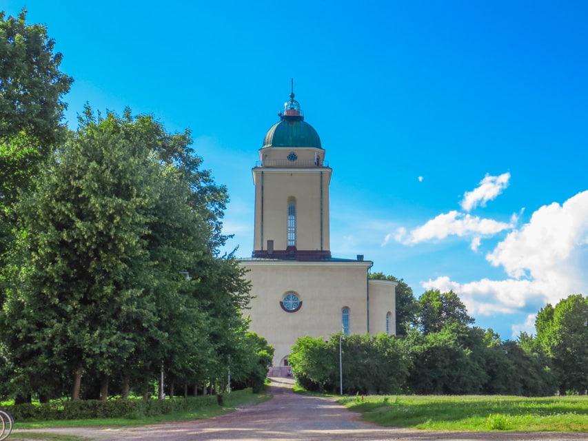 Sumonelinna church in summer