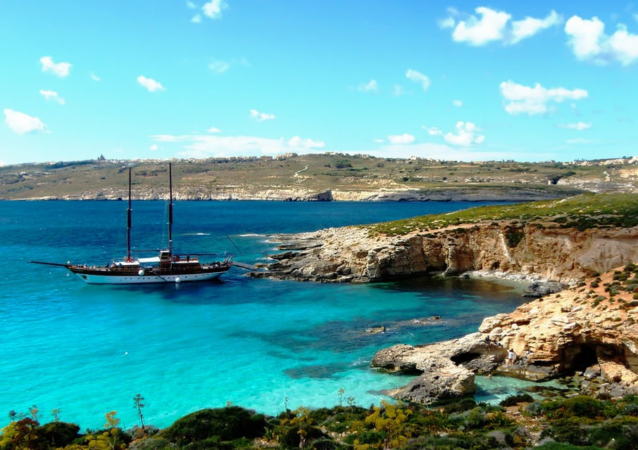 Blue Lagoon in Comino , Malta