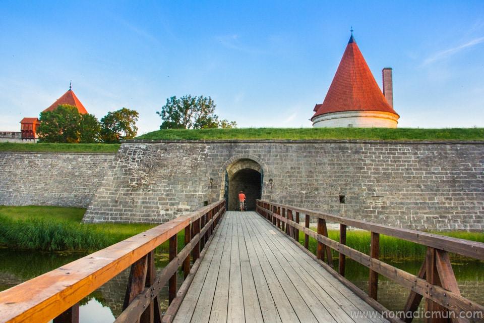 wooden bridge Kuressaare castle